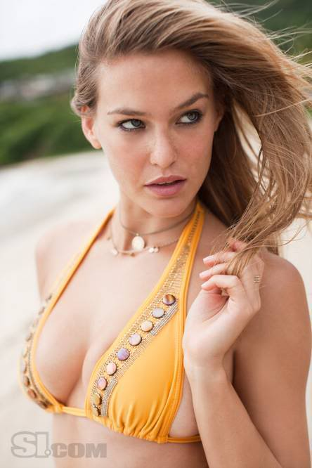 Bar Refaeli SI 2009 Swimsuit Edition Shoot